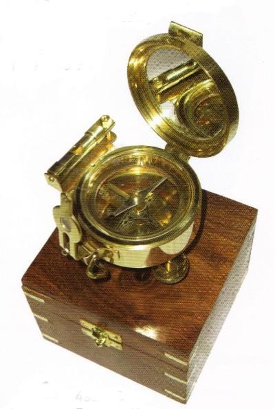 Brunton - Kompass in Holzdose