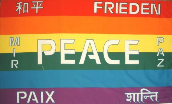 Friedensflagge:PEACE etc.